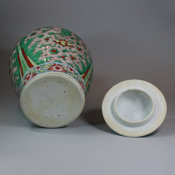 Chinese wucai transitional vase and cover, 17th century - image 4