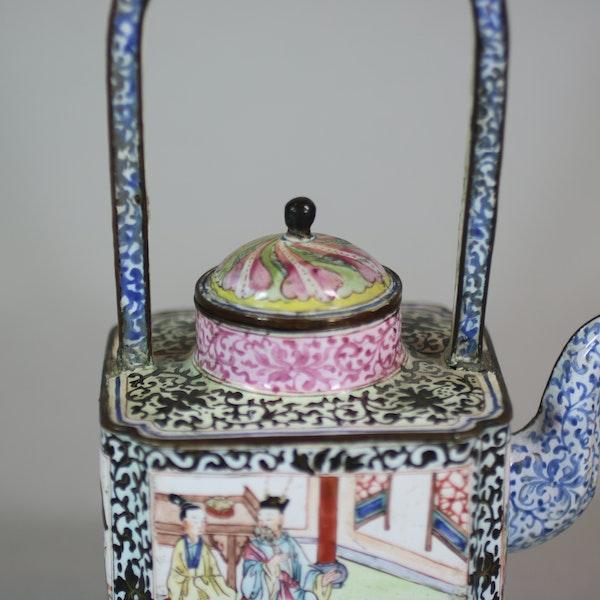 Chinese canton enamel winepot, Qianlong (1736-95) - image 6