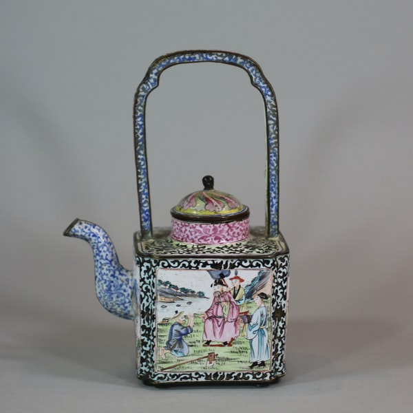 Chinese canton enamel winepot, Qianlong (1736-95) - image 1