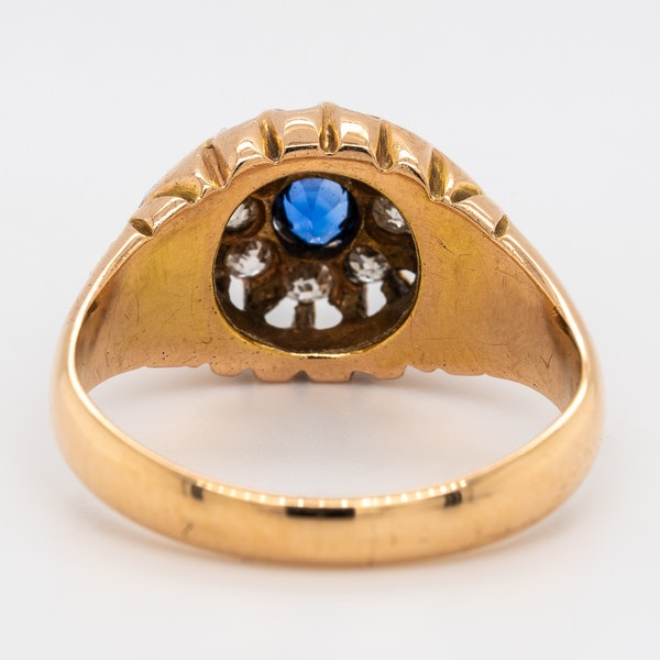 Victorian diamond and sapphire round cluster ring - image 4