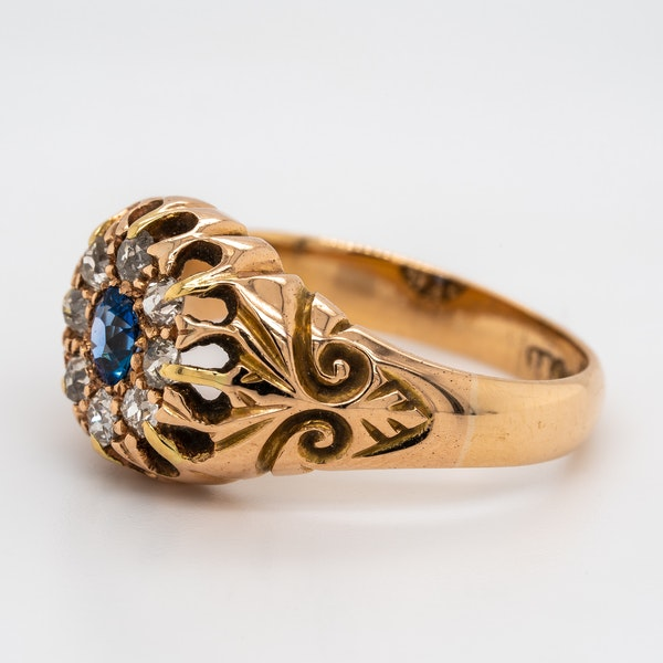 Victorian diamond and sapphire round cluster ring - image 3
