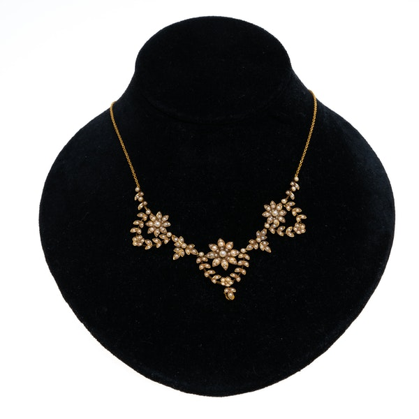Victorian pearl necklace of triple clusters - image 1
