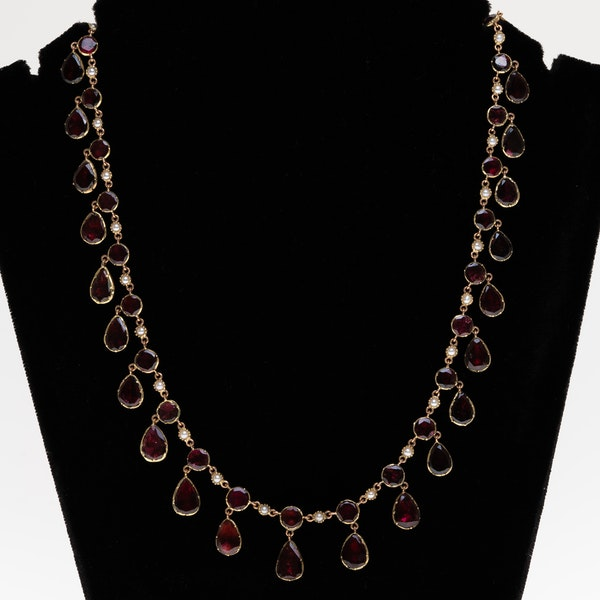 Victorian 18 ct gold French full garnet set necklace - image 1