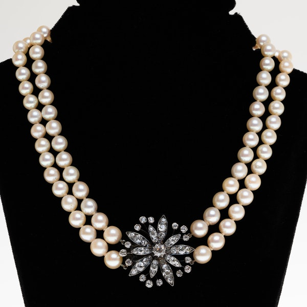 Antique diamond clasp and double row pearls full necklace - image 1