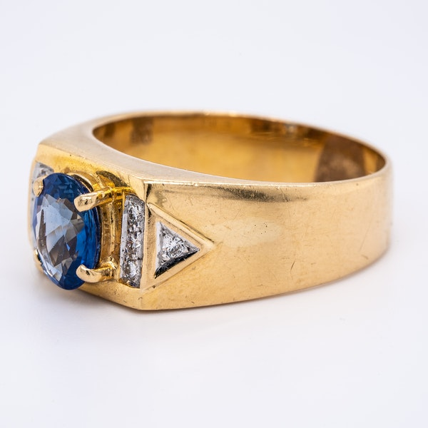 Sapphire and diamond signet type 18 ct gold ring - image 3
