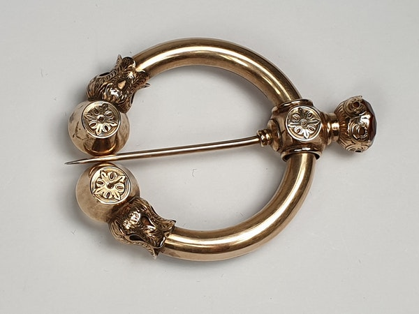 Scottish Hard Stone Jewel  DBGEMS - image 1