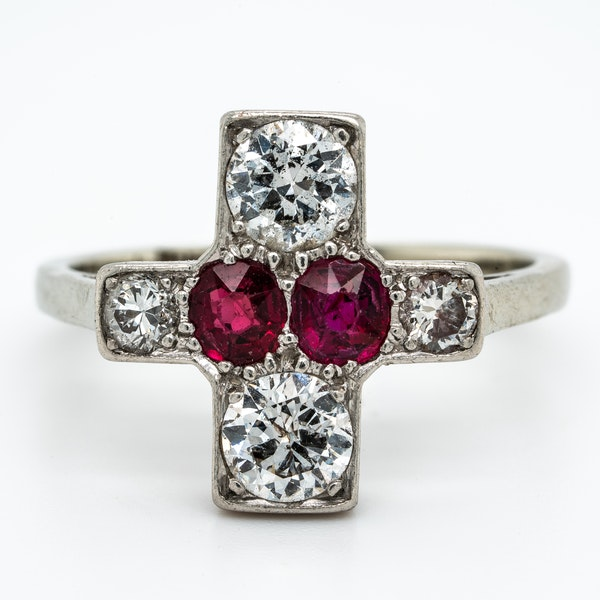 Art Deco ruby and diamond tablet ring - image 1