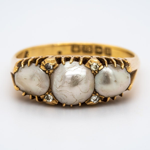 Antique 3 natural pearl and diamond points ring - image 1