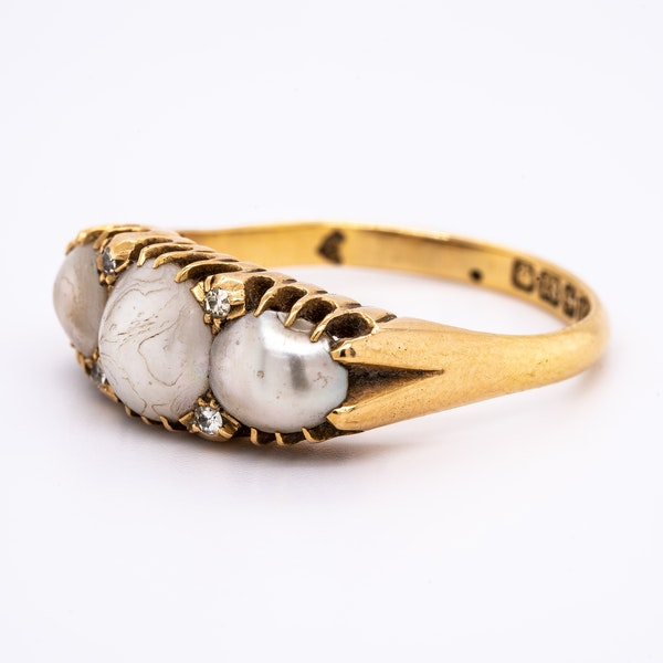 Antique 3 natural pearl and diamond points ring - image 3