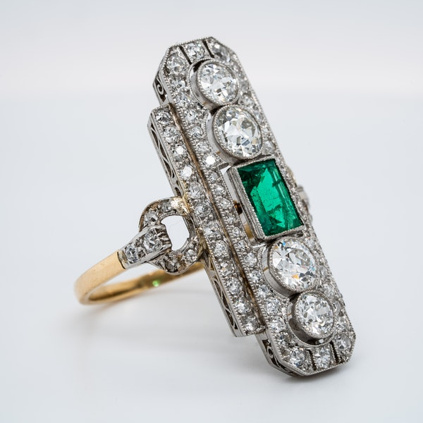 Art Deco emerald and diamond tablet ring - image 2