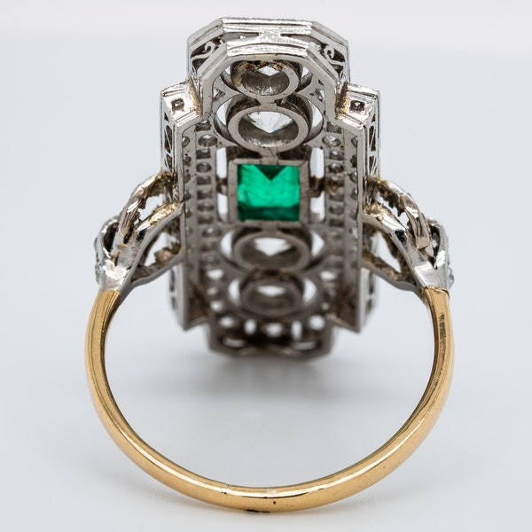 Art Deco emerald and diamond tablet ring - image 4