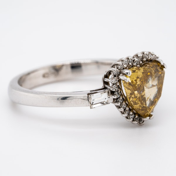 Natural fancy yellow coloured diamond heart ring with certificate - image 2