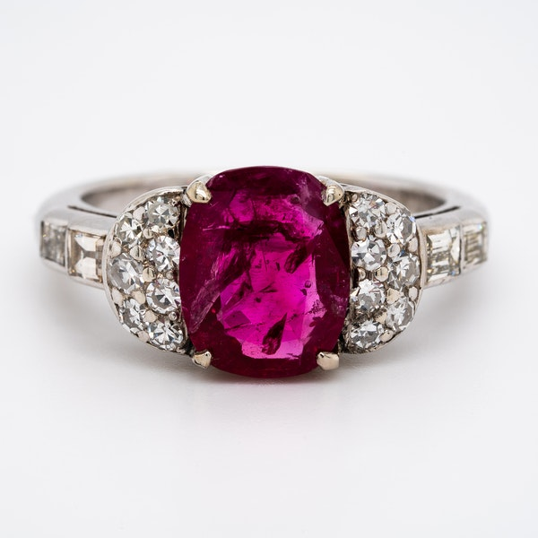 Burma ruby and diamond cluster ring with certificate - image 1