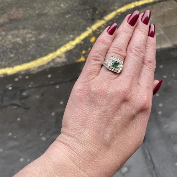1920's, Platinum & 18ct White Gold, Emerald & Diamond stone set Ring, SHAPIRO & Co since1979 - image 5