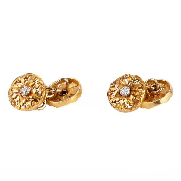 Art Nouveau Cufflinks of Floral Pattern in 18 Carat Gold with Diamond Centre, English circa 1890. - image 3