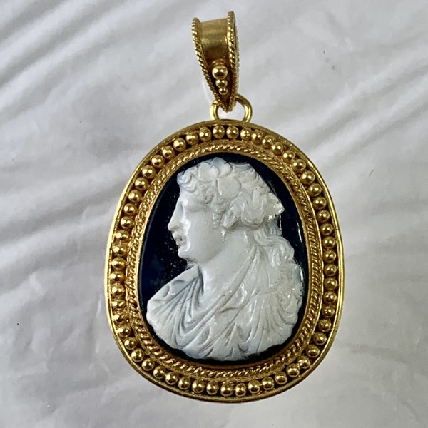 1600 cameo in modern gold mount - image 1