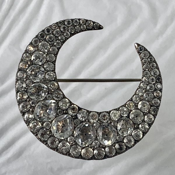 Eighteenth century silver and paste brooch - image 1