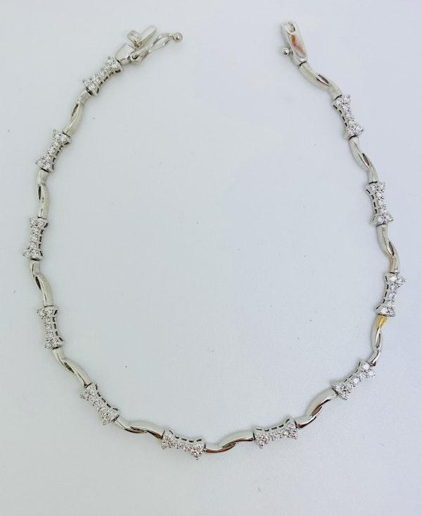 18K White gold 2.00ct Diamond Bracelet - image 2