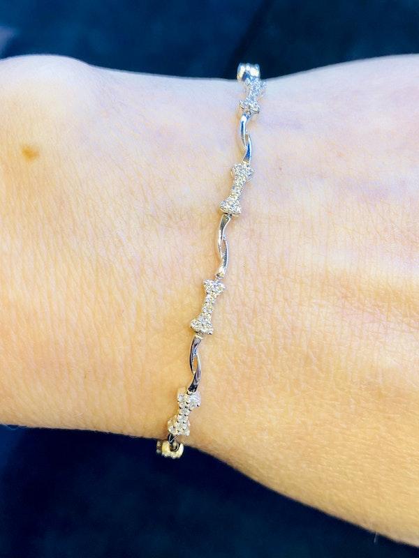 18K White gold 2.00ct Diamond Bracelet - image 1