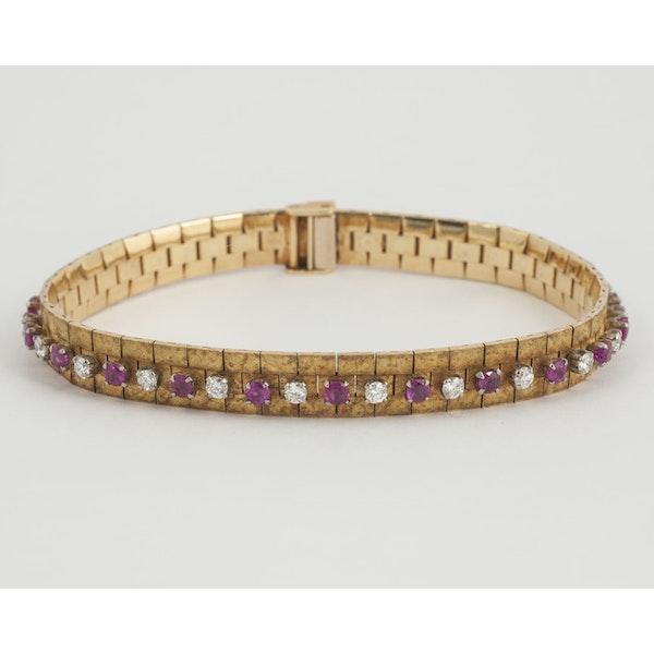 Vintage Bracelet in 18 Carat Gold with Burma Rubies & Diamonds, English circa 1965. - image 1