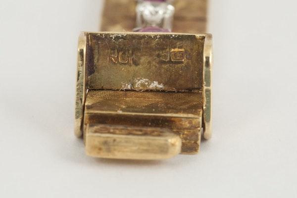 Vintage Bracelet in 18 Carat Gold with Burma Rubies & Diamonds, English circa 1965. - image 3