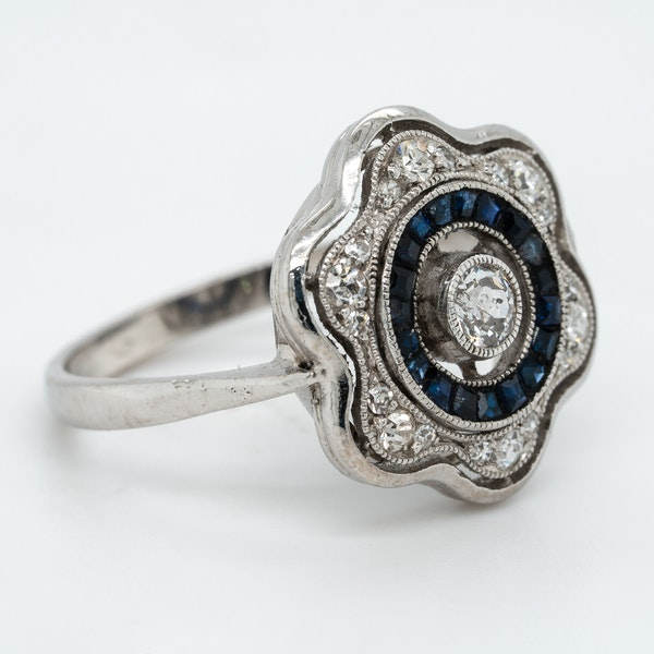 Art Deco diamond  and sapphire flower shape cluster ring - image 2