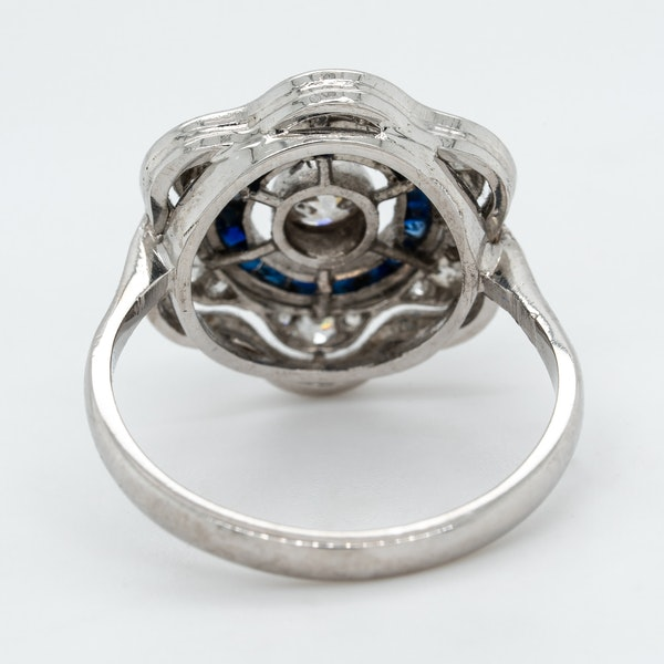 Art Deco diamond  and sapphire flower shape cluster ring - image 4