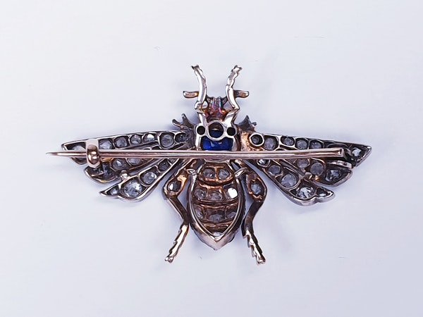 Antique sapphire and diamond bug brooch  DBGEMS - image 2