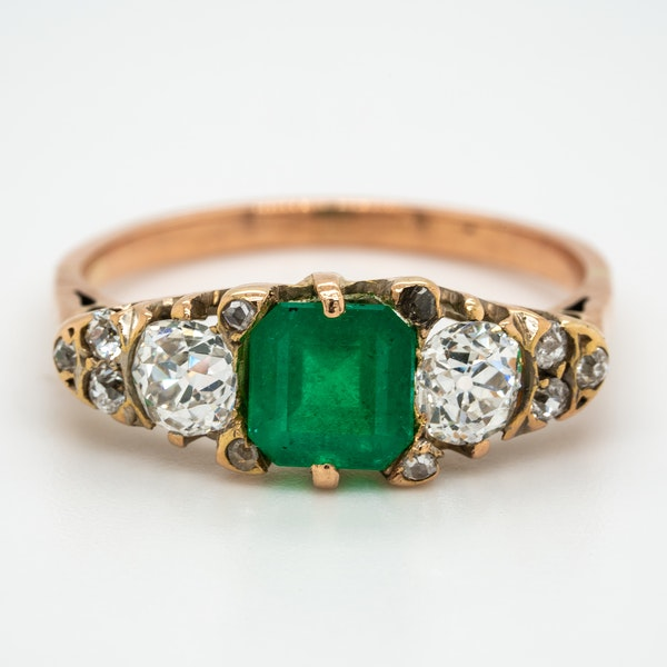 Edwardian emerald and diamond half hoop ring - image 1
