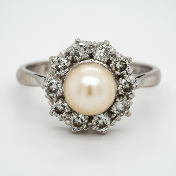 Pearl and diamond retro cluster ring - image 1