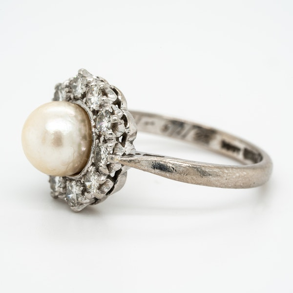 Pearl and diamond retro cluster ring - image 3