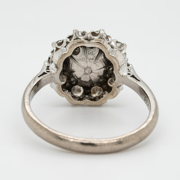 Pearl and diamond retro cluster ring - image 4