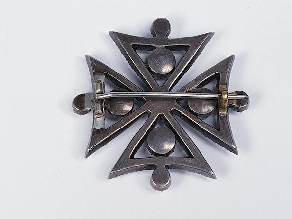 18th century black dot paste Maltese cross  DBGEMS - image 1