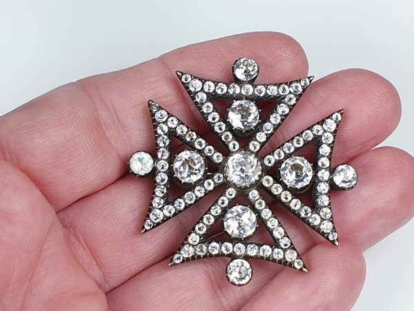 18th century black dot paste Maltese cross  DBGEMS - image 2