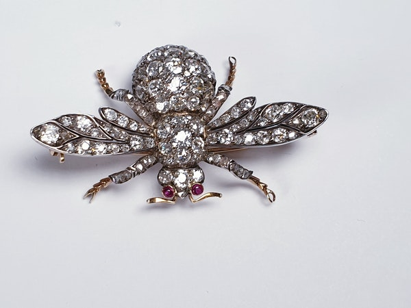 Amazing Antique Bee brooch  DBGEMS - image 7