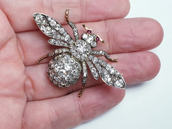 Amazing Antique Bee brooch  DBGEMS - image 4