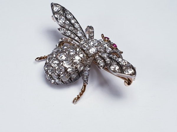 Amazing Antique Bee brooch  DBGEMS - image 2