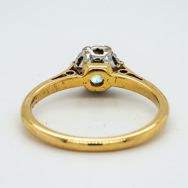 18K yellow gold 0.50ct Diamond Solitaire Engagement Ring. - image 4