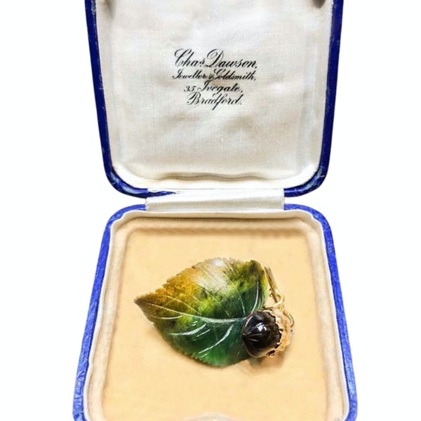 An 1880 Agate and Gold Autumn Leaf with Acorn Brooch - image 2