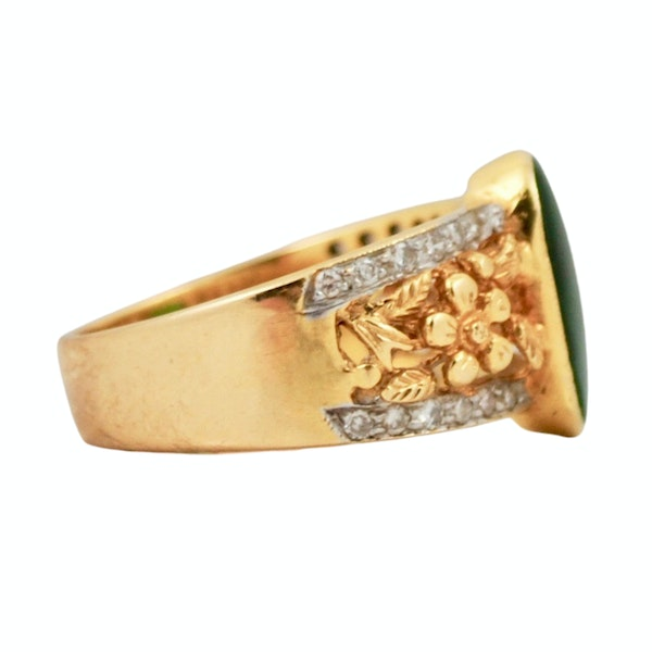A 1950s Jade and Diamond Ring - image 2
