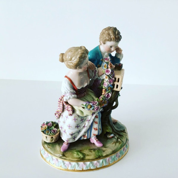 Meissen group of courting couple - image 3