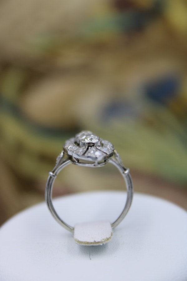 "An exceptional Diamond ""Navette"" Ring mounted in Platinum with French Import Marks, Circa 1920 - image 2"