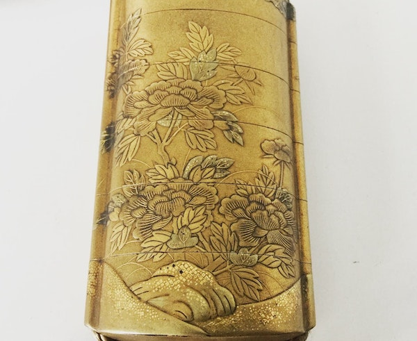 Gold lacquer Inro - image 2