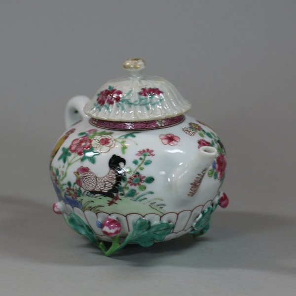 Chinese famille rose teapot and cover, Yongzheng (1723-35) - image 6