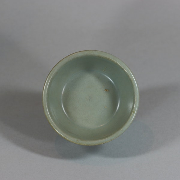 Chinese small Longquan celadon brush washer, Southern Song dynasty (1127-1279) - image 8