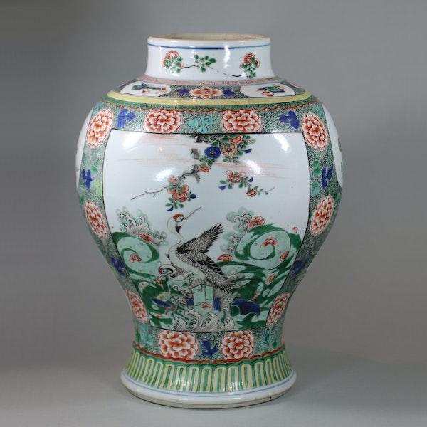 Chinese famille verte baluster vase, Kangxi (1662-1722) - image 1