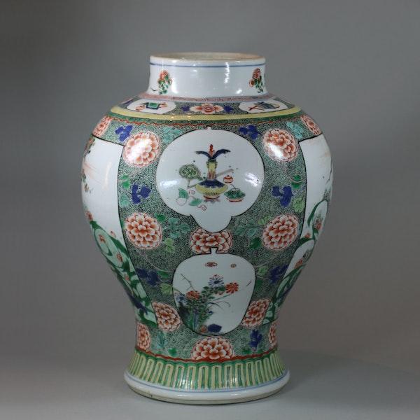 Chinese famille verte baluster vase, Kangxi (1662-1722) - image 3