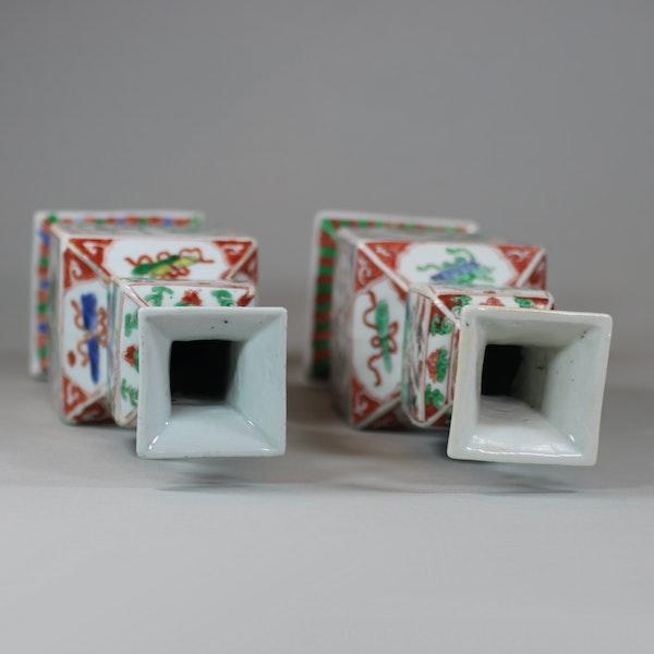 Pair of Chinese famille verte porcelain square-section vases, Kangxi (1662-1722) - image 4