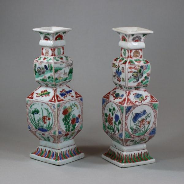 Pair of Chinese famille verte porcelain square-section vases, Kangxi (1662-1722) - image 6
