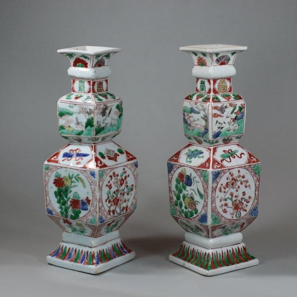 Pair of Chinese famille verte porcelain square-section vases, Kangxi (1662-1722) - image 1